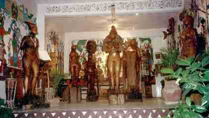 The collection as it was housed in the Galeria Ixchel Maya of Zihuatanejo